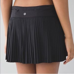 Lululemon Pleat To Street II skirt size 4 black